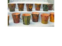 Tengeri csikóval díszitett vázák